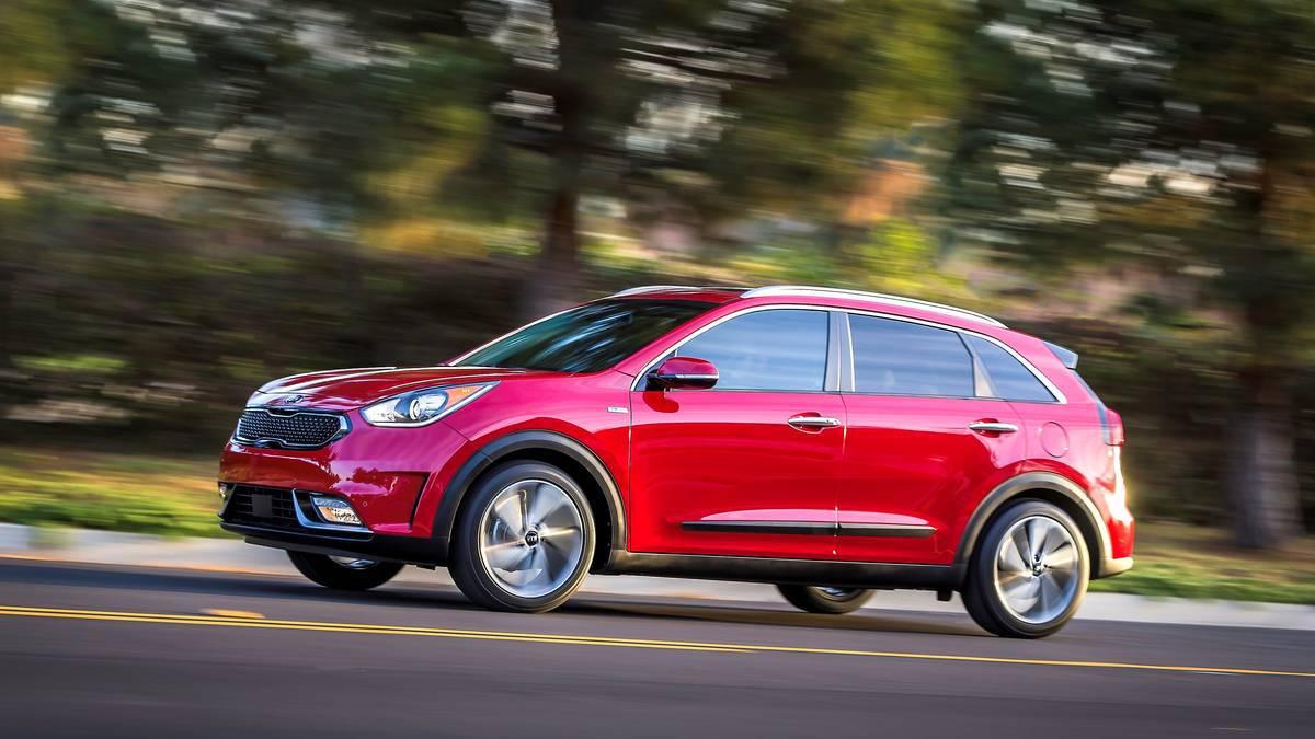 2017 Kia Niro hybrid CUV Chicago Auto Show news – Truck News –BuyTrucks.ca
